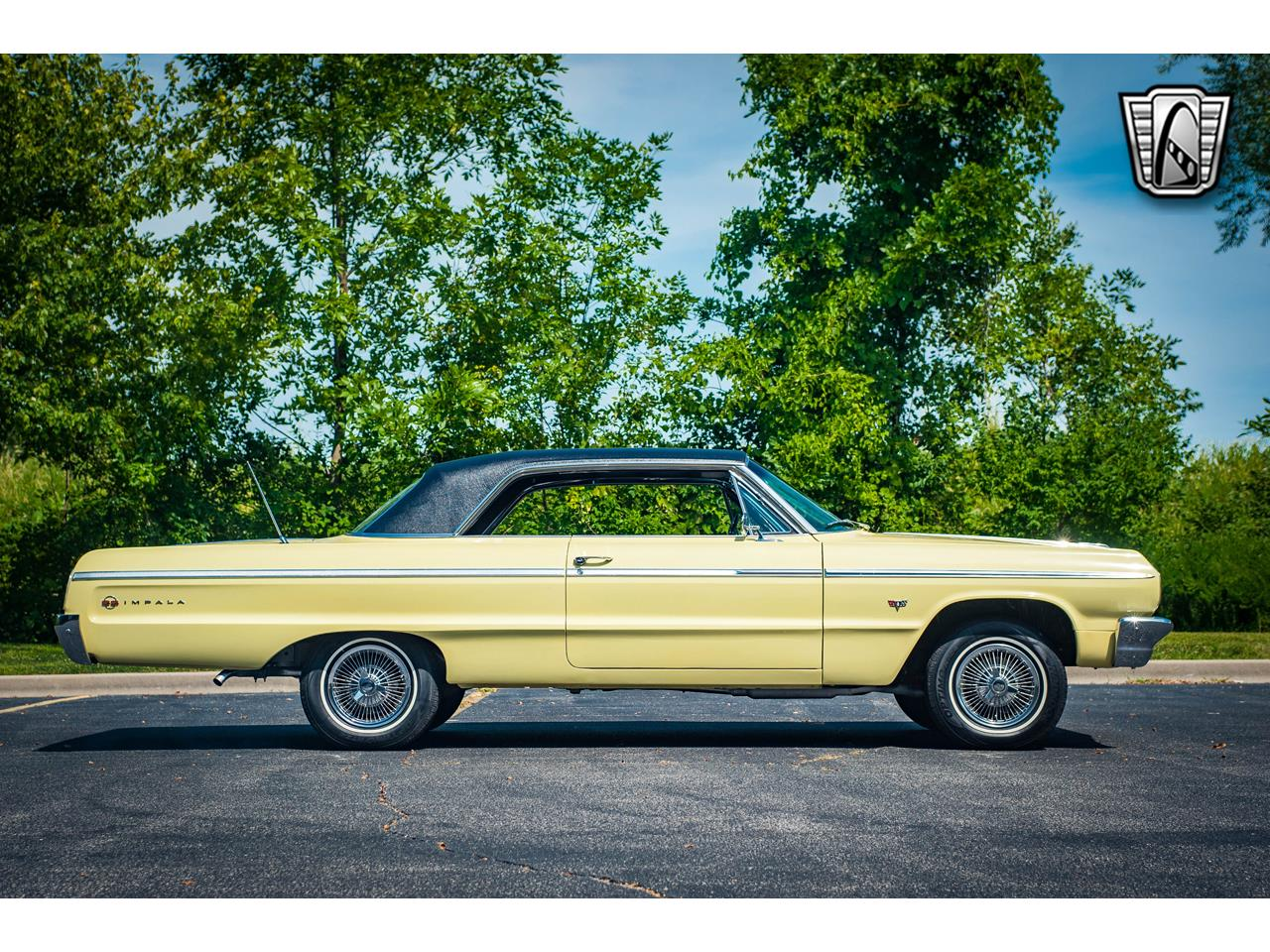 Large Picture of 1964 Impala located in Illinois Offered by Gateway Classic Cars - St. Louis - QRDR