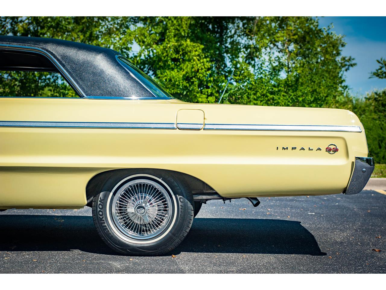 Large Picture of Classic 1964 Impala located in O'Fallon Illinois Offered by Gateway Classic Cars - St. Louis - QRDR