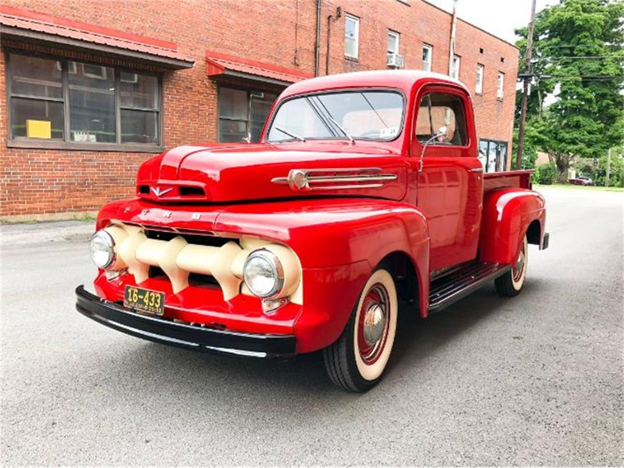 Large Picture of '52 F1 located in Cadillac Michigan Offered by Classic Car Deals - QRHE