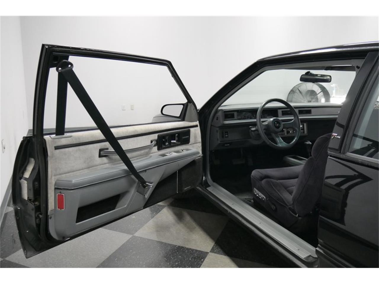 Large Picture of '89 LeSabre located in Tennessee - $9,995.00 Offered by Streetside Classics - Nashville - QRKK