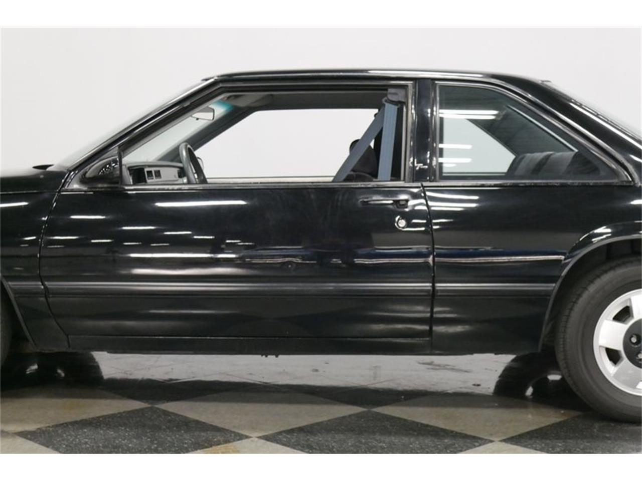 Large Picture of 1989 Buick LeSabre located in Tennessee - $9,995.00 - QRKK