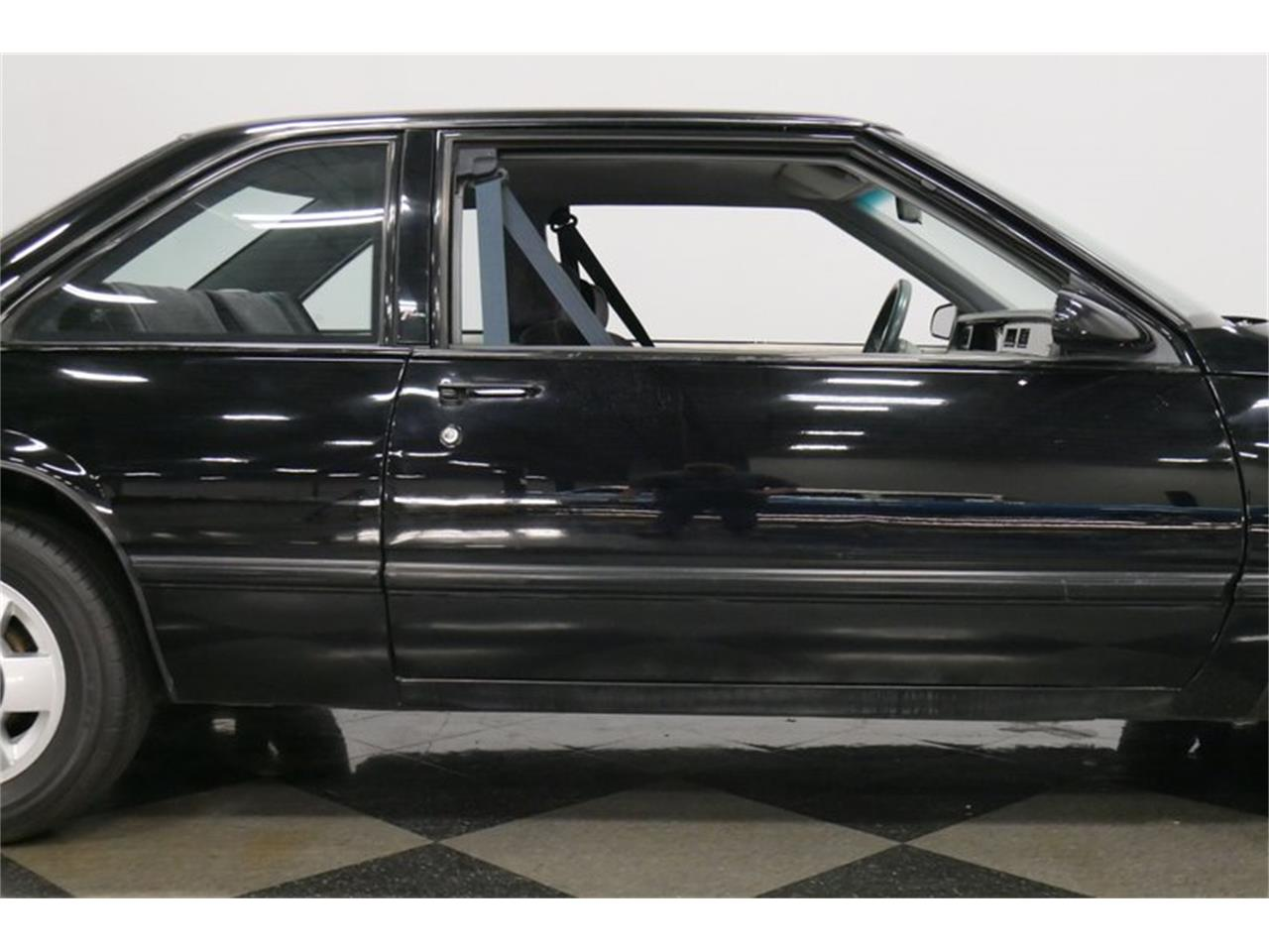 Large Picture of 1989 Buick LeSabre located in Lavergne Tennessee Offered by Streetside Classics - Nashville - QRKK