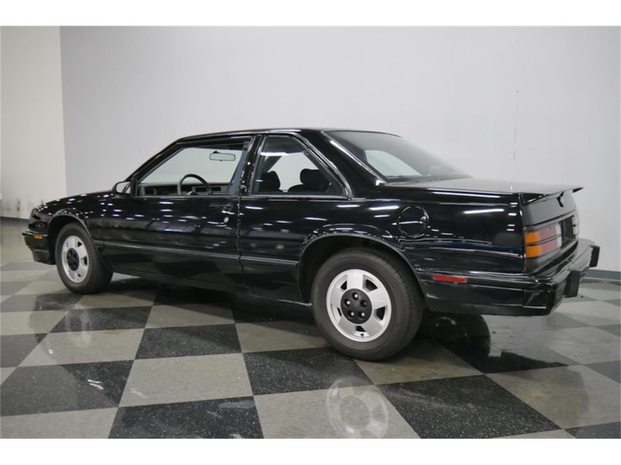 Large Picture of '89 Buick LeSabre Offered by Streetside Classics - Nashville - QRKK