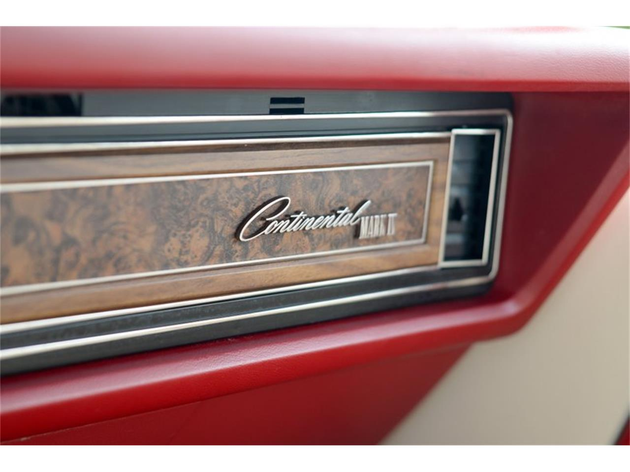 Large Picture of '75 Continental - QRLR