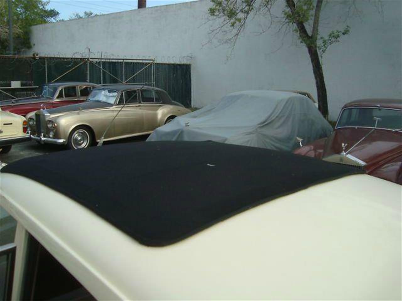 Large Picture of '61 Silver Cloud II - QRNH