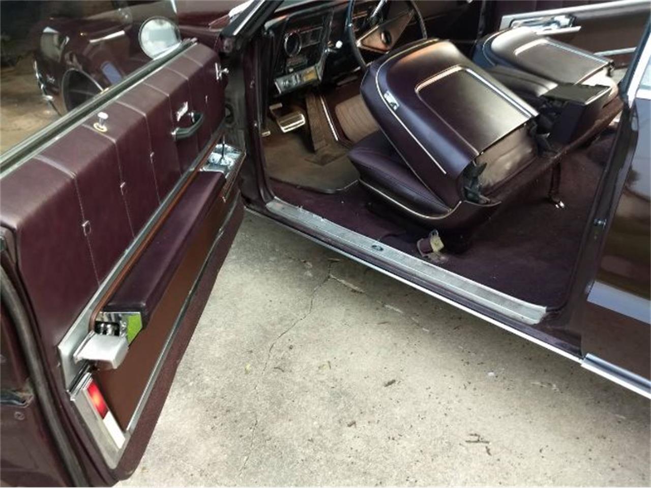 Large Picture of '67 Toronado - QRO5
