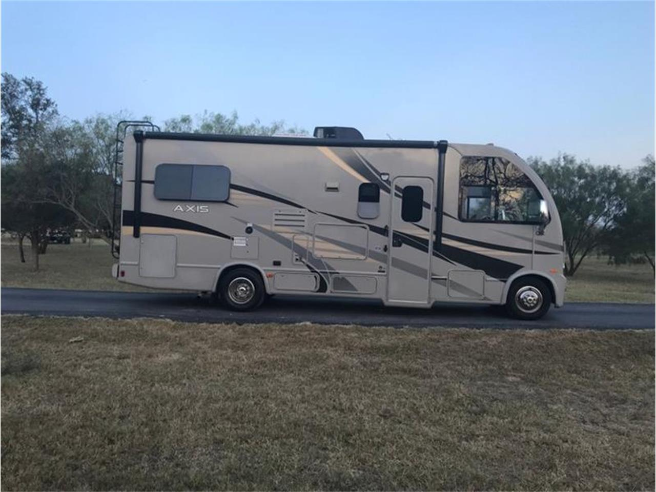 Large Picture of '14 E-Series - QRQ4