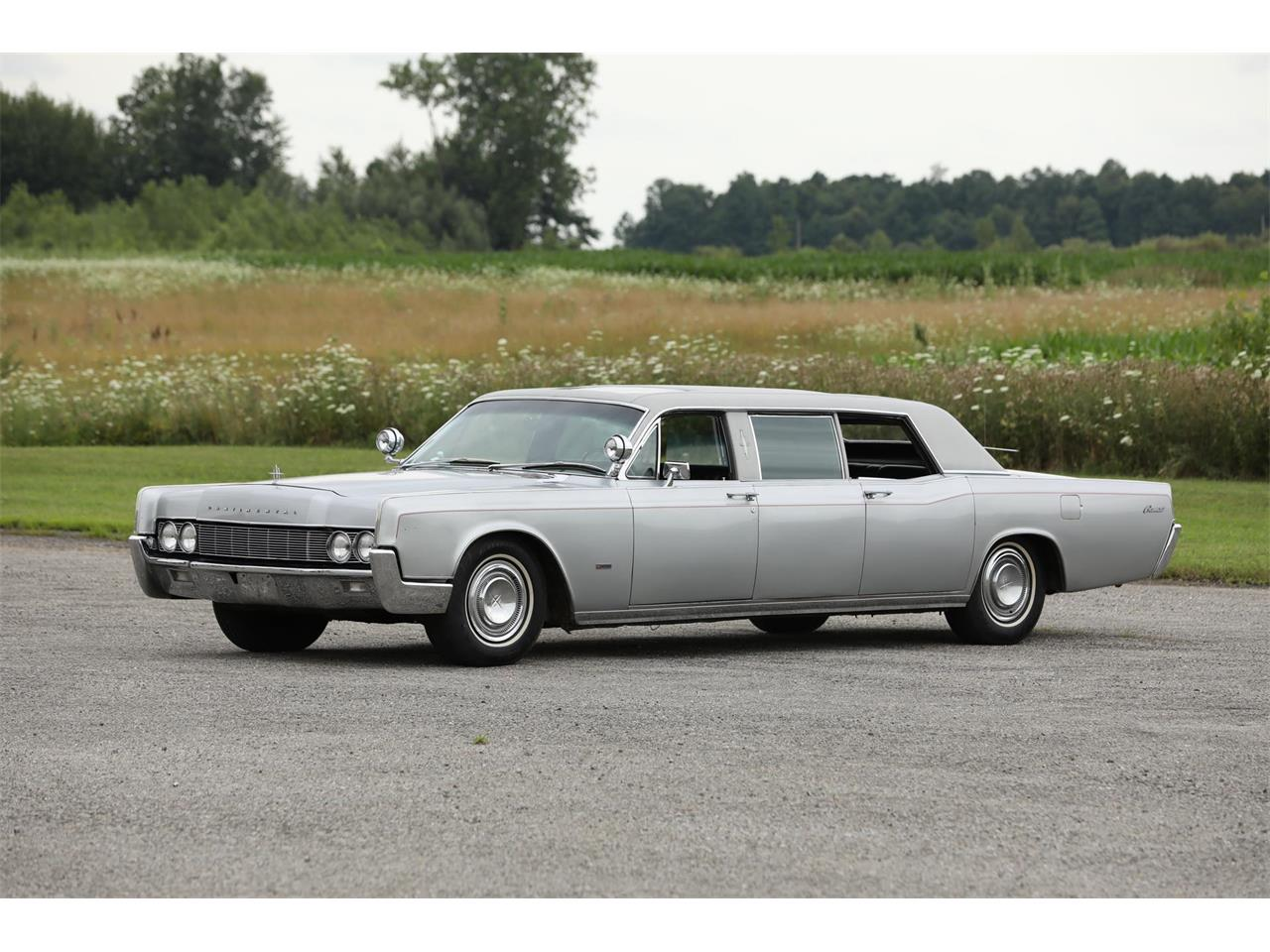 Large Picture of '67 Continental located in Auburn Indiana Offered by Worldwide Auctioneers - QRSU