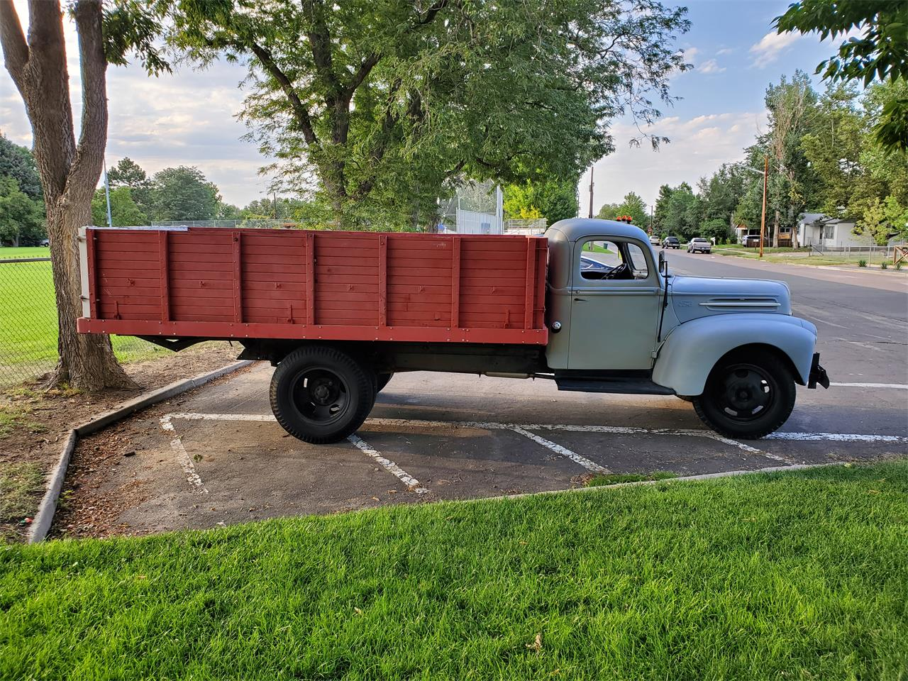 Large Picture of Classic '47 1-1/2 Ton Pickup - QRUM