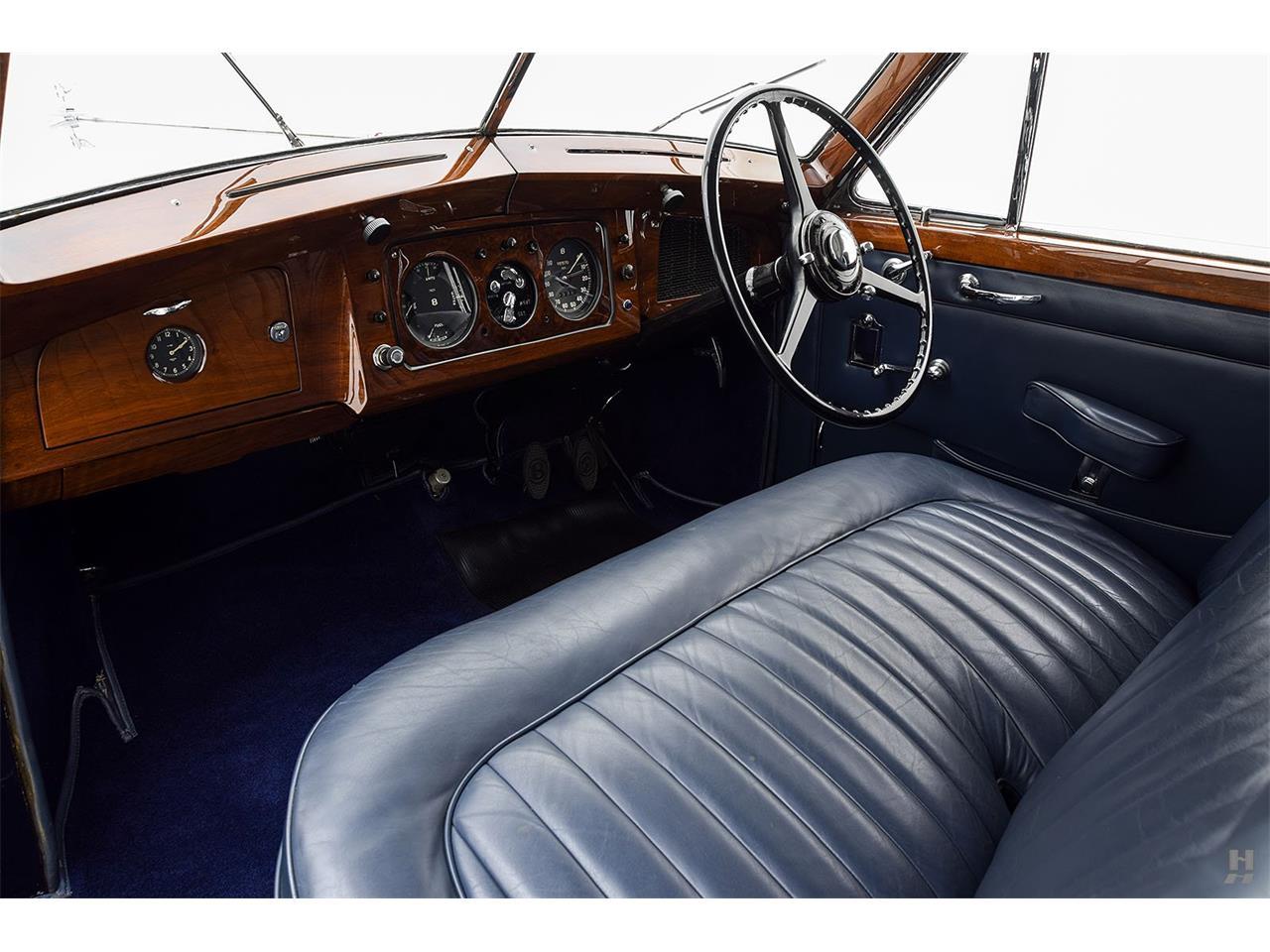 Large Picture of Classic '48 Bentley Mark VI located in Saint Louis Missouri - QS34
