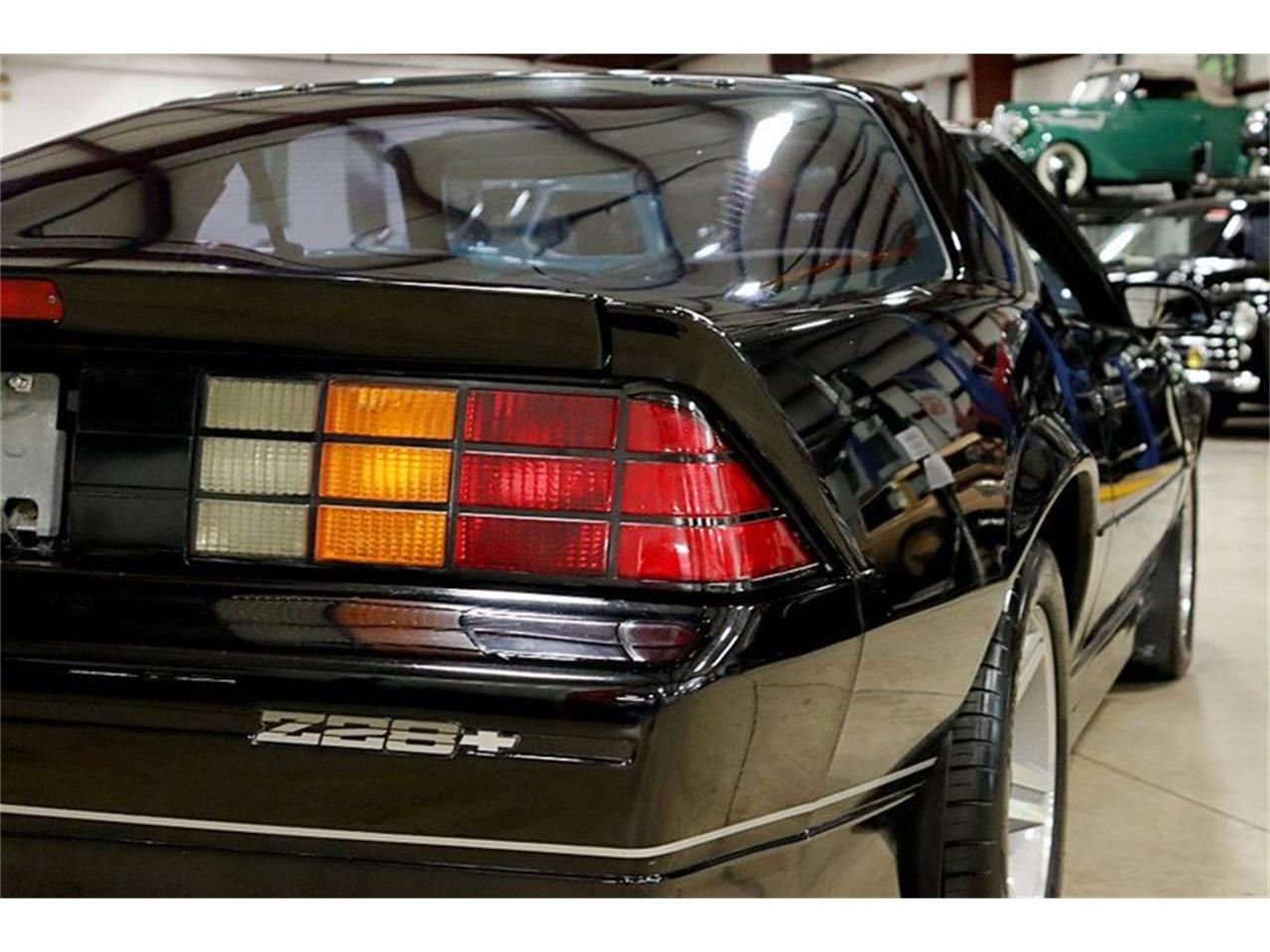 Large Picture of 1987 Chevrolet Camaro Z28 located in Kentwood Michigan - QSF0