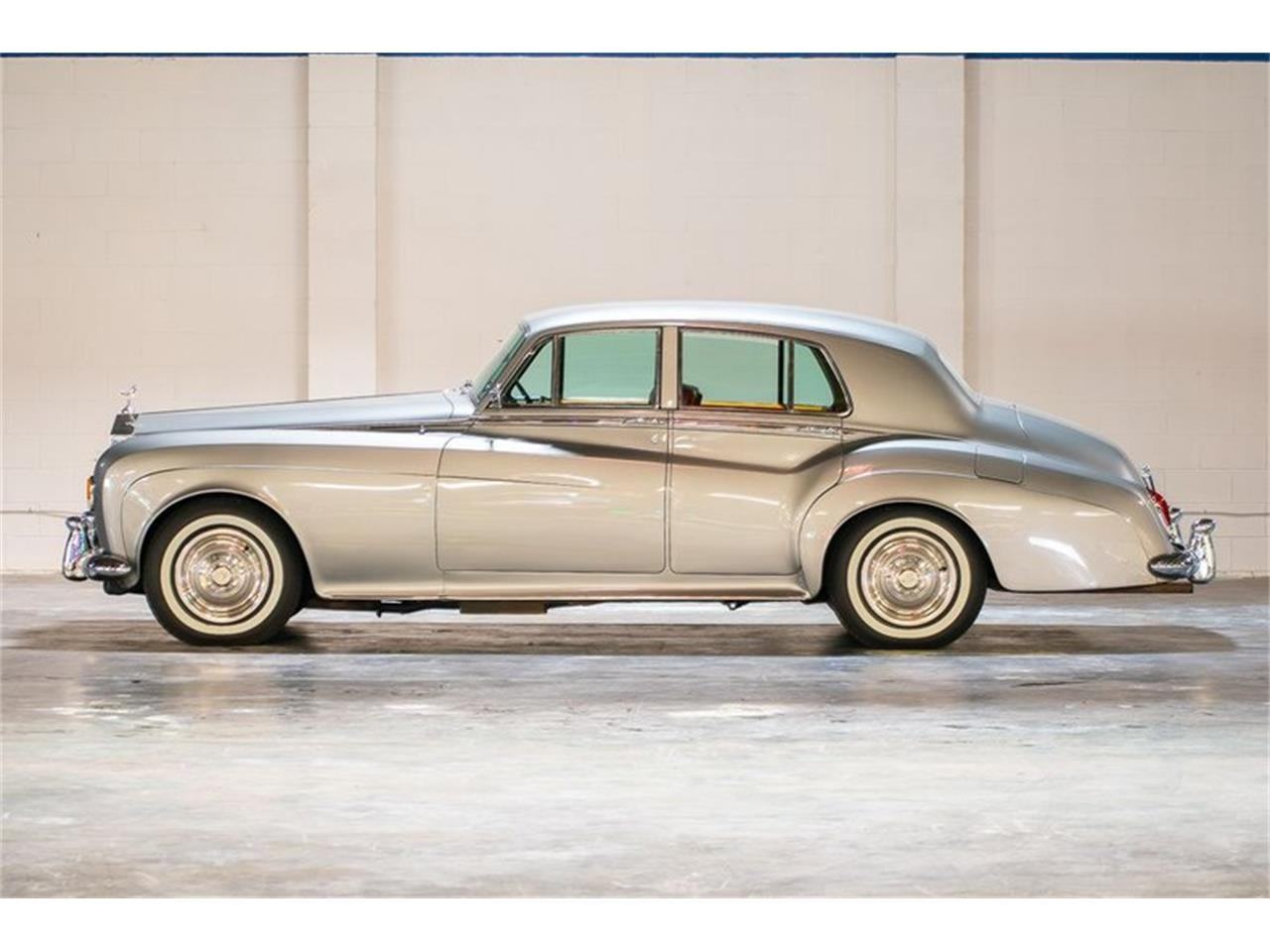 Large Picture of '65 Silver Cloud - QTGQ
