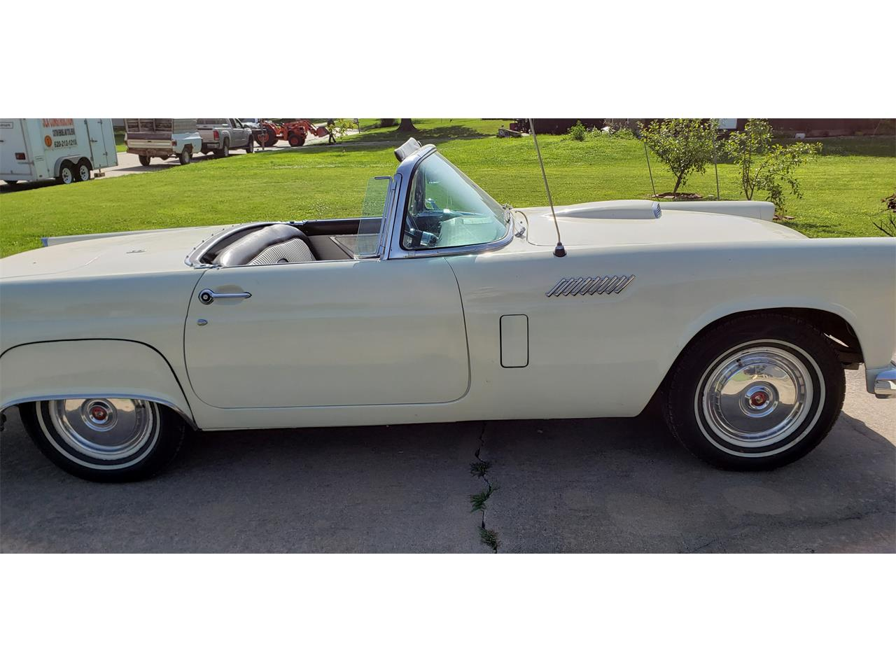 Large Picture of '56 Thunderbird - QTK3