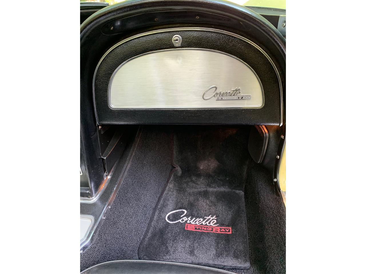 Large Picture of '65 Corvette - QU3V