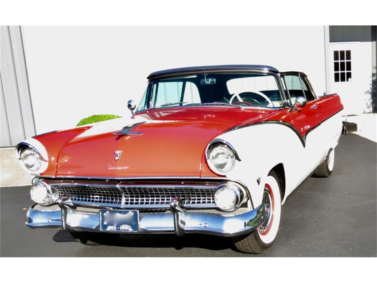 Large Picture of Classic '55 Ford Fairlane located in Ohio - $38,500.00 Offered by Classic Car Connection - QU8Q