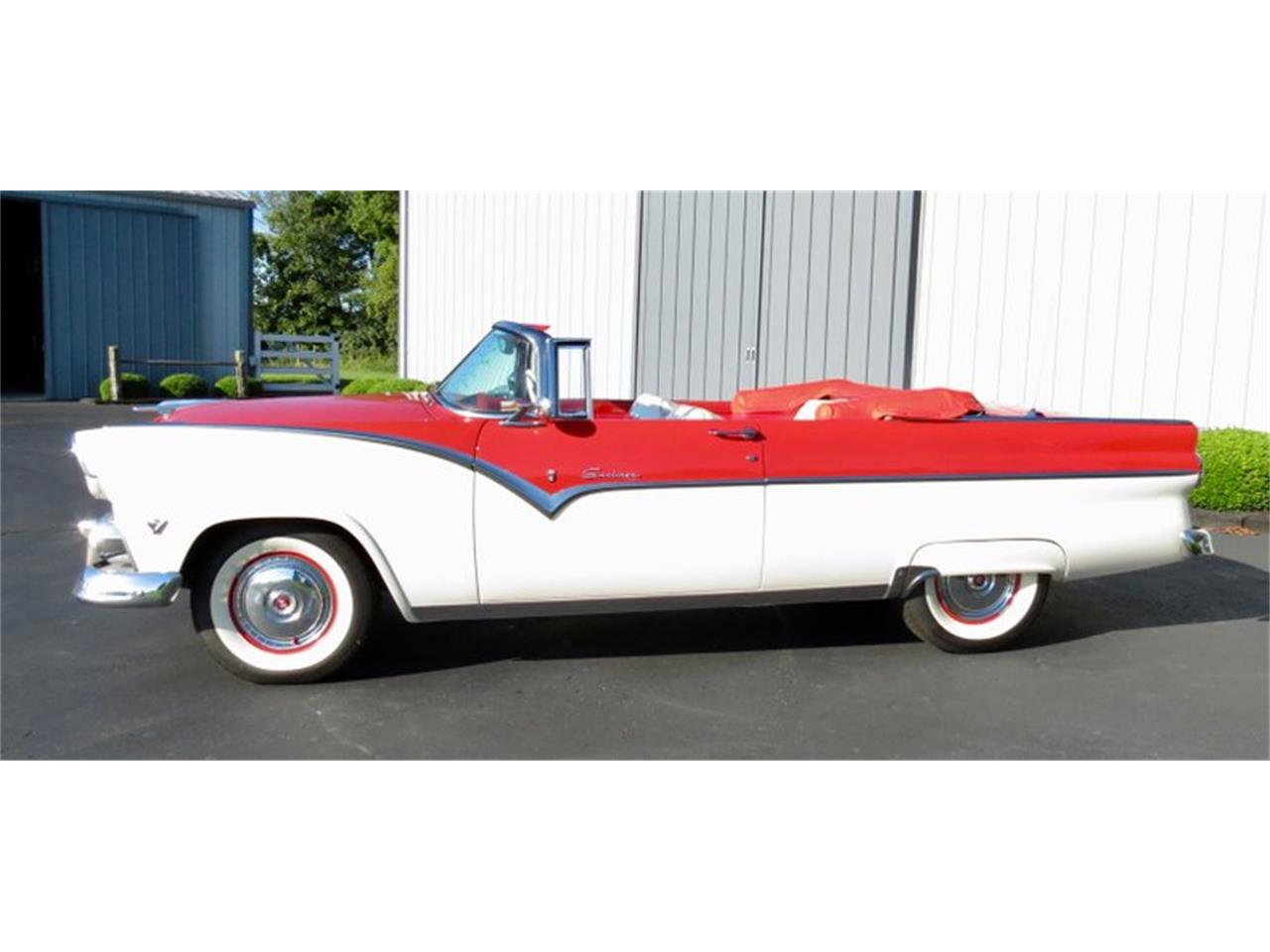 Large Picture of Classic 1955 Ford Fairlane located in Ohio Offered by Classic Car Connection - QU8Q