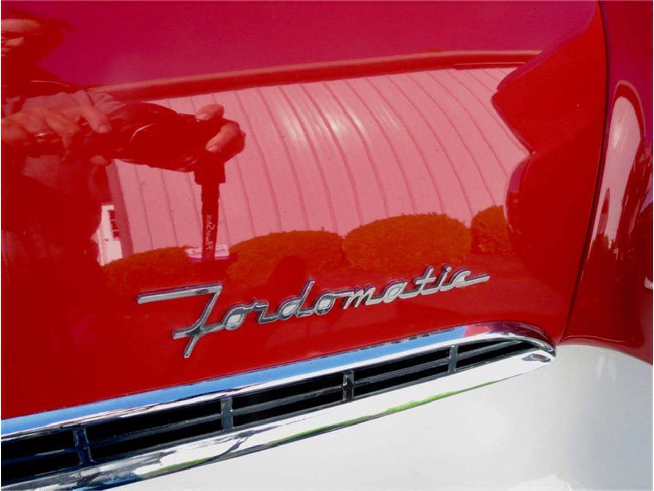 Large Picture of Classic '55 Fairlane located in Dayton Ohio Offered by Classic Car Connection - QU8Q