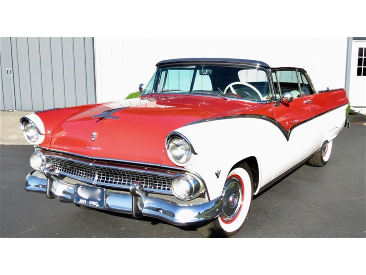 Large Picture of Classic 1955 Ford Fairlane located in Dayton Ohio Offered by Classic Car Connection - QU8Q