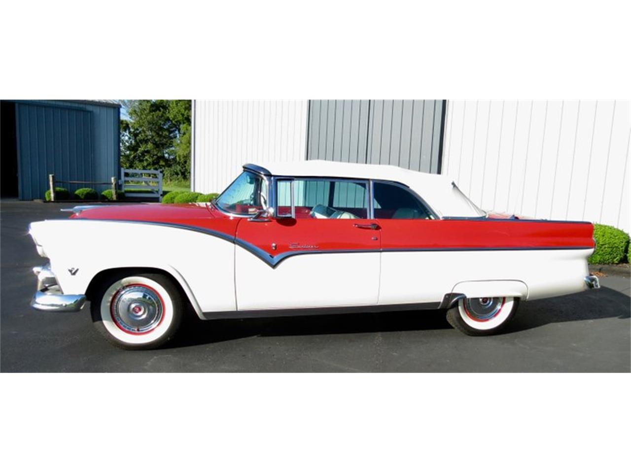 Large Picture of Classic '55 Ford Fairlane located in Dayton Ohio Offered by Classic Car Connection - QU8Q