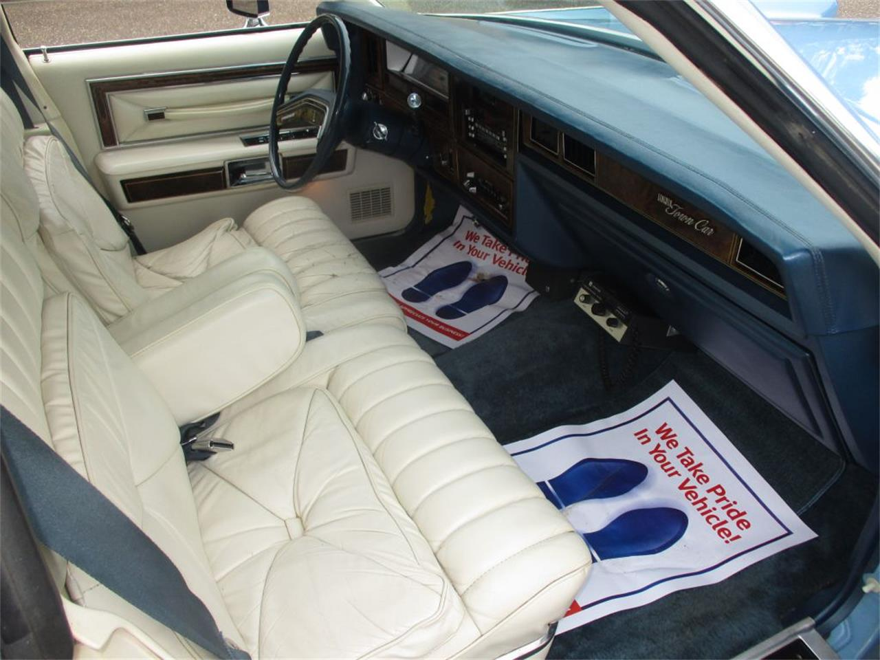 Large Picture of '79 Town Car - QU90