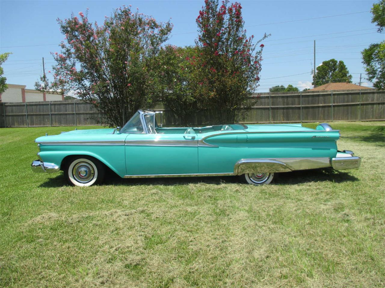 Large Picture of '59 Skyliner - QUCG