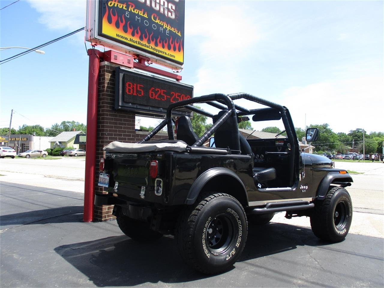 Large Picture of '80 CJ7 located in Sterling Illinois - $14,900.00 Offered by Sterling Motors Inc. - QUE6