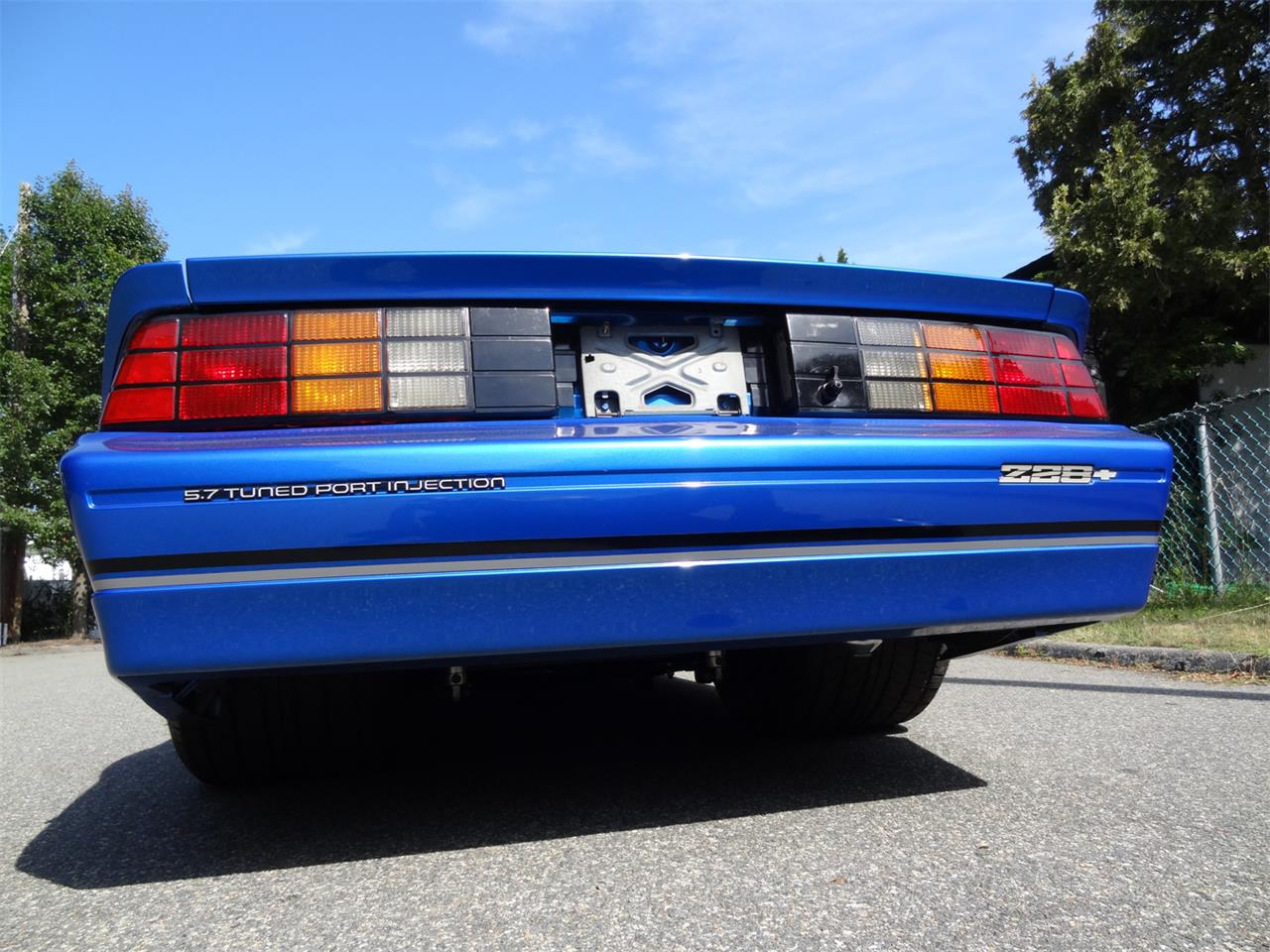 Large Picture of 1983 Chevrolet Camaro IROC Z28 - $30,000.00 - QUEA
