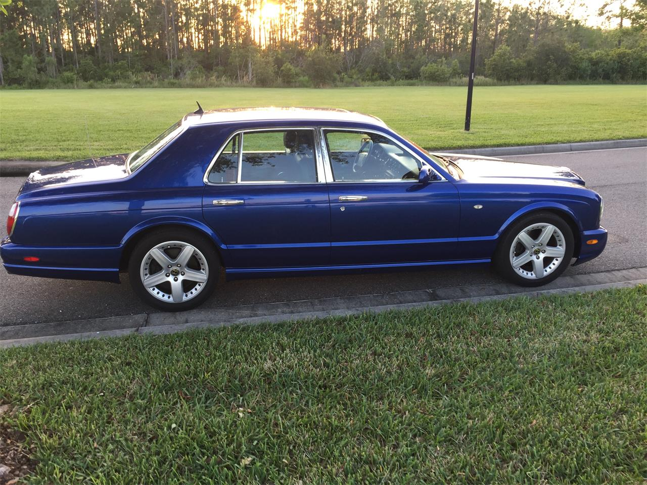 Large Picture of 2002 Arnage located in Orlando Florida Offered by a Private Seller - QUG1