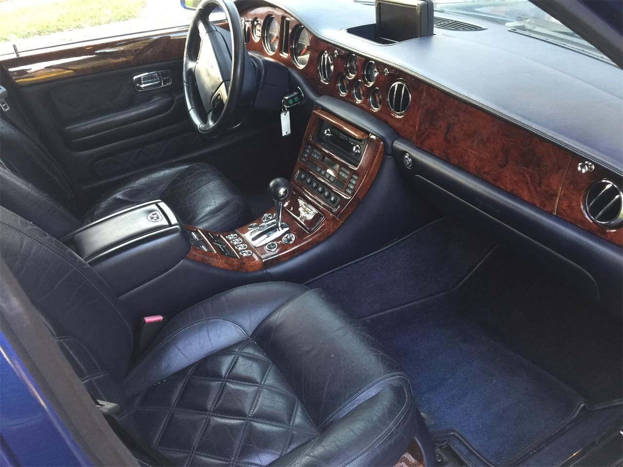 Large Picture of '02 Arnage located in Florida - $22,800.00 - QUG1