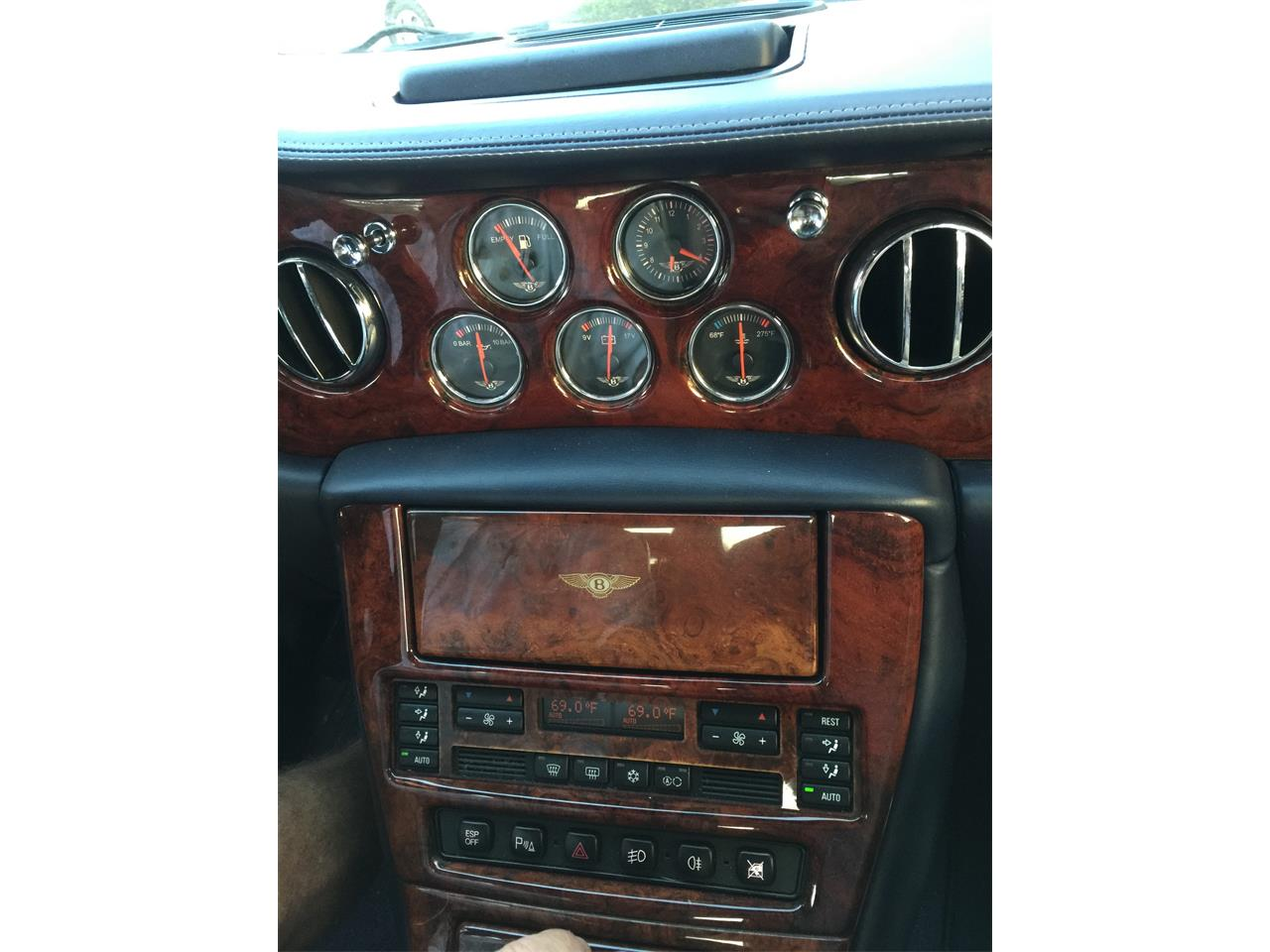 Large Picture of '02 Arnage - $22,800.00 - QUG1