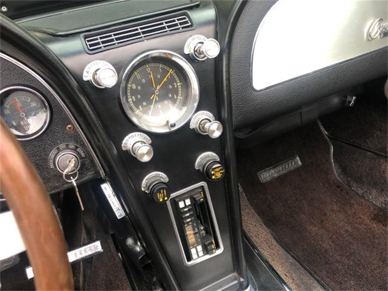 Large Picture of Classic 1965 Corvette located in Valley Park Missouri - $52,995.00 - QUNO