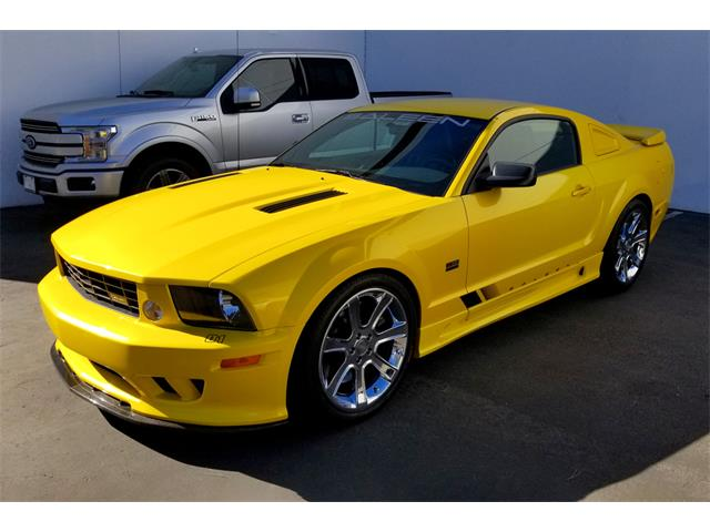 Picture of '05 Mustang - QURZ