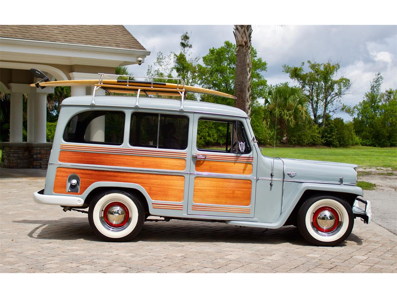 Large Picture of '57 Wagoneer - QW0V