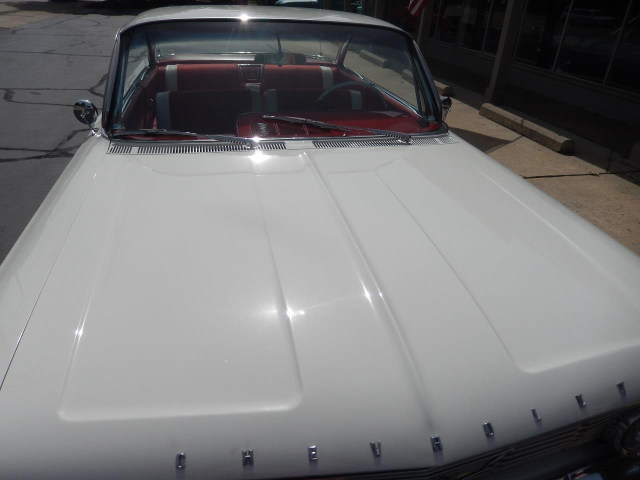 Large Picture of '61 Impala SS - QW0Y
