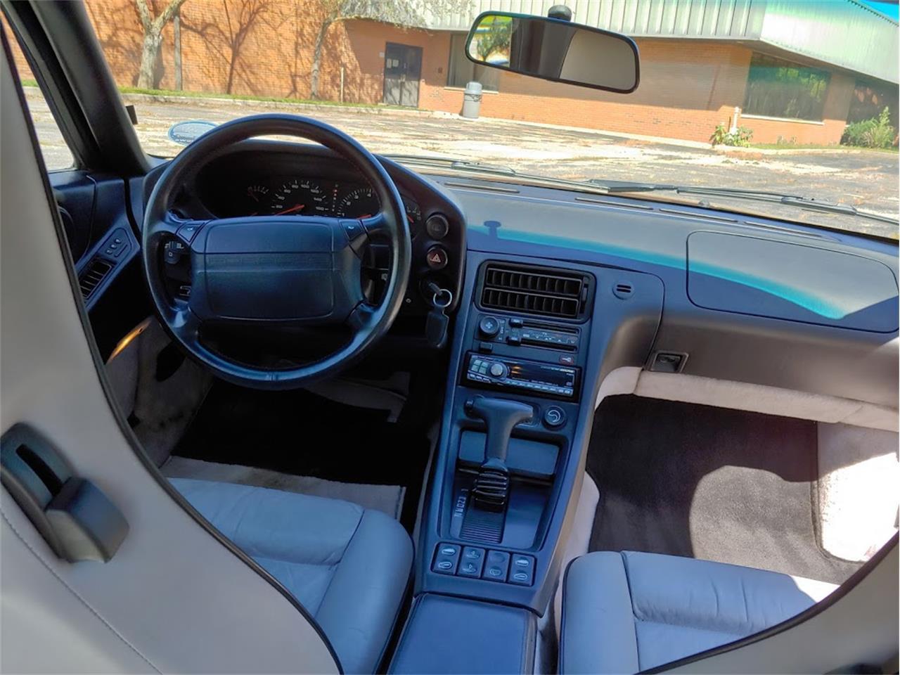 Large Picture of 1991 Porsche 928 located in Richmond Illinois - QW14