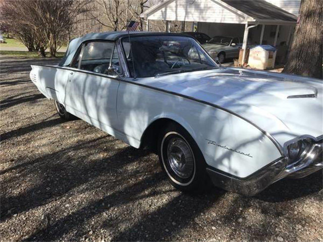 Large Picture of Classic 1961 Ford Thunderbird located in New York - QWHZ