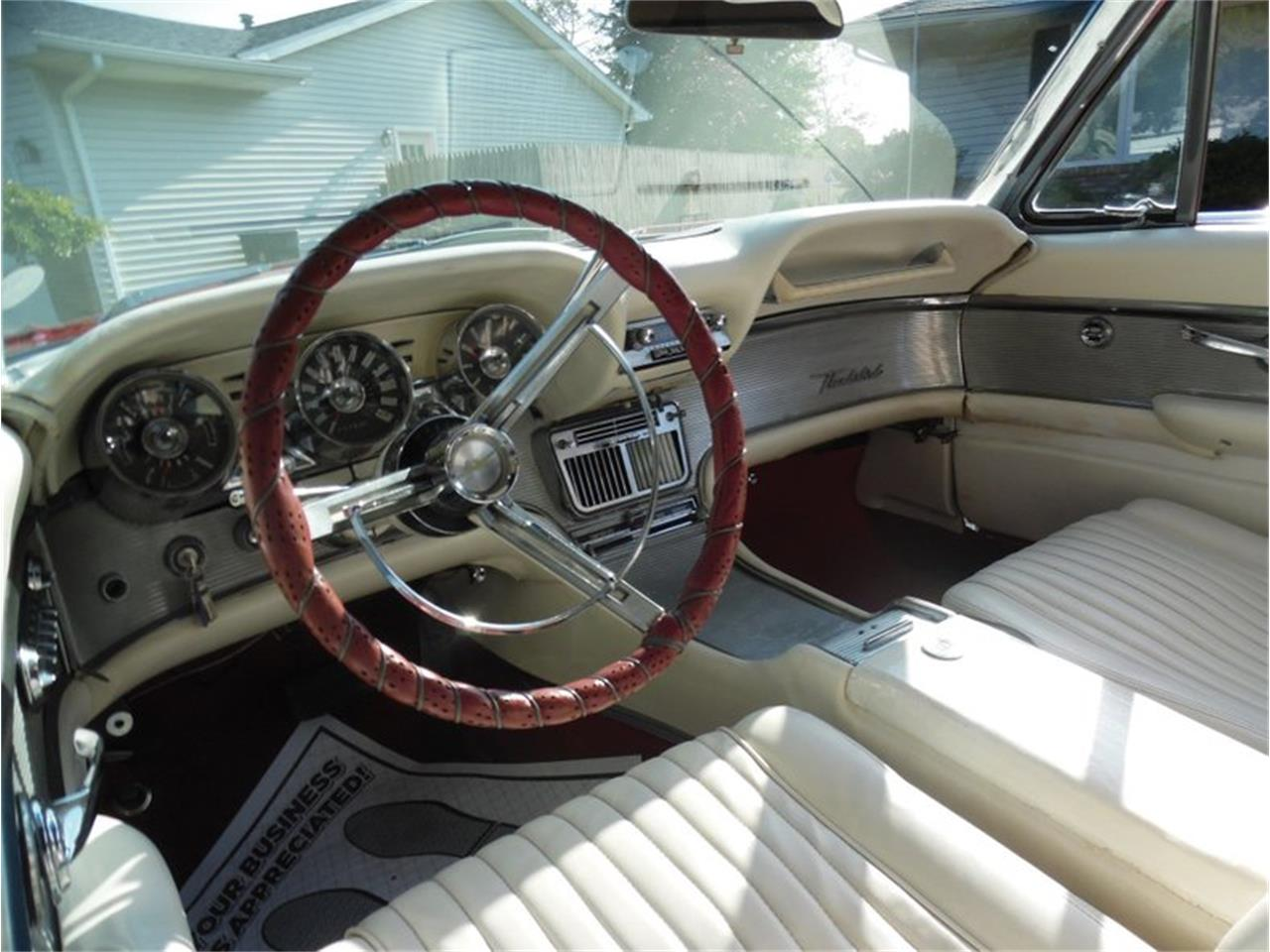 Large Picture of Classic '61 Ford Thunderbird - QX18