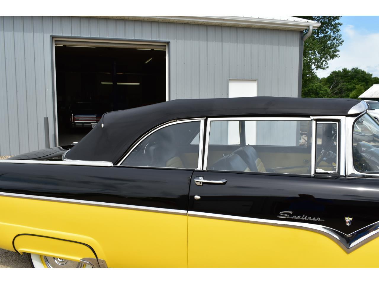Large Picture of '55 Fairlane Sunliner - QXF3