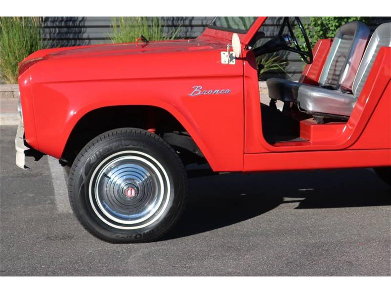 Large Picture of '66 Bronco - QXGX