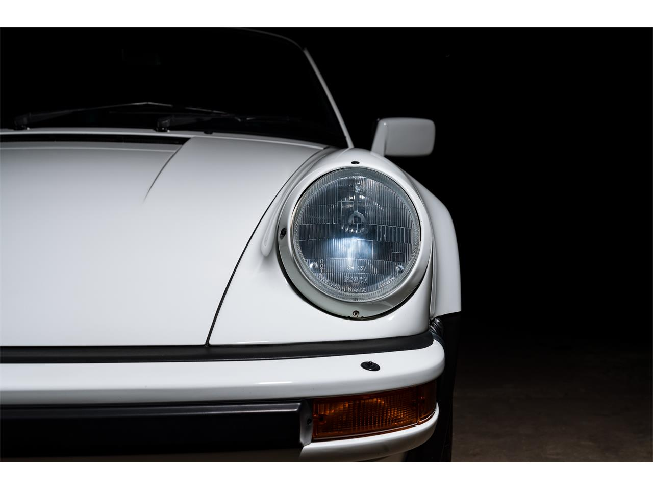 Large Picture of 1989 Porsche 930 Turbo located in Pontiac Michigan - QXI9