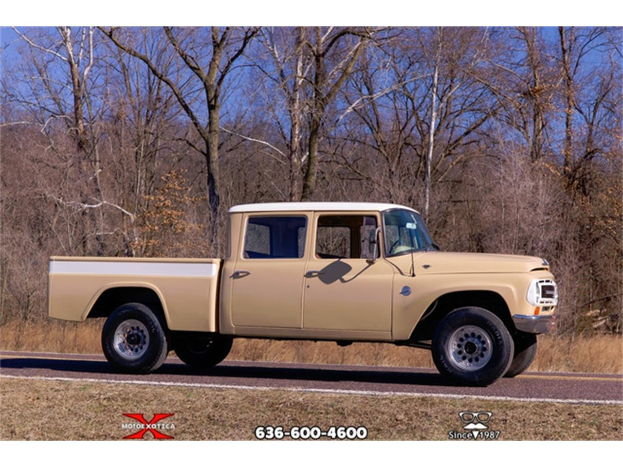 Large Picture of '68 Travelette - QXLD