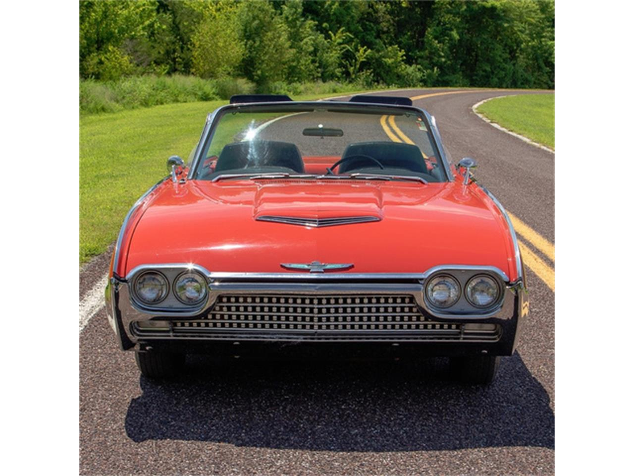 Large Picture of Classic 1962 Ford Thunderbird located in St. Louis Missouri - QXLJ