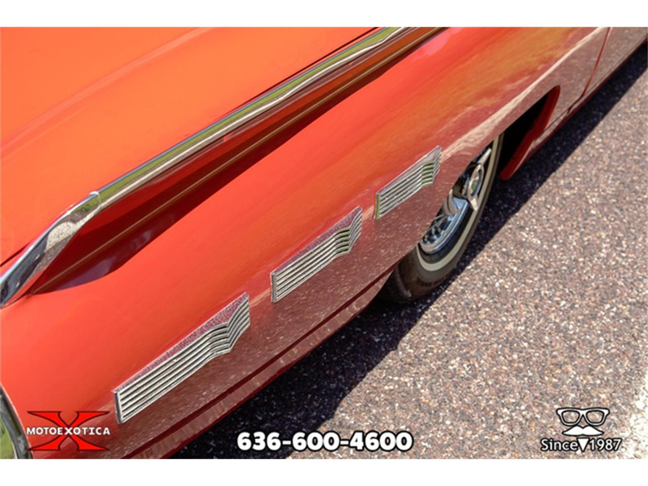 Large Picture of Classic '62 Thunderbird located in Missouri - $27,500.00 Offered by MotoeXotica Classic Cars - QXLJ