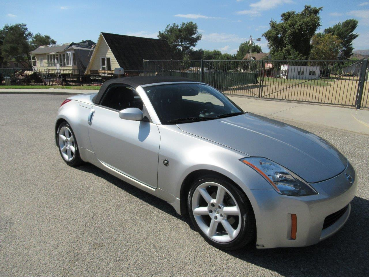Large Picture of '05 Nissan 350Z located in SIMI VALLEY California - $7,950.00 Offered by California Cars - QXLK