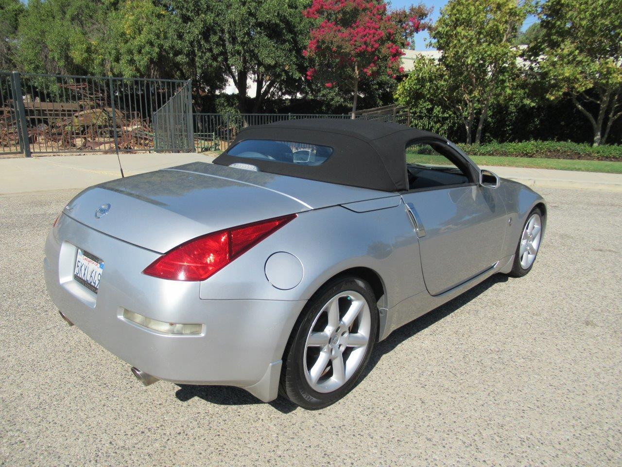 Large Picture of '05 350Z Offered by California Cars - QXLK