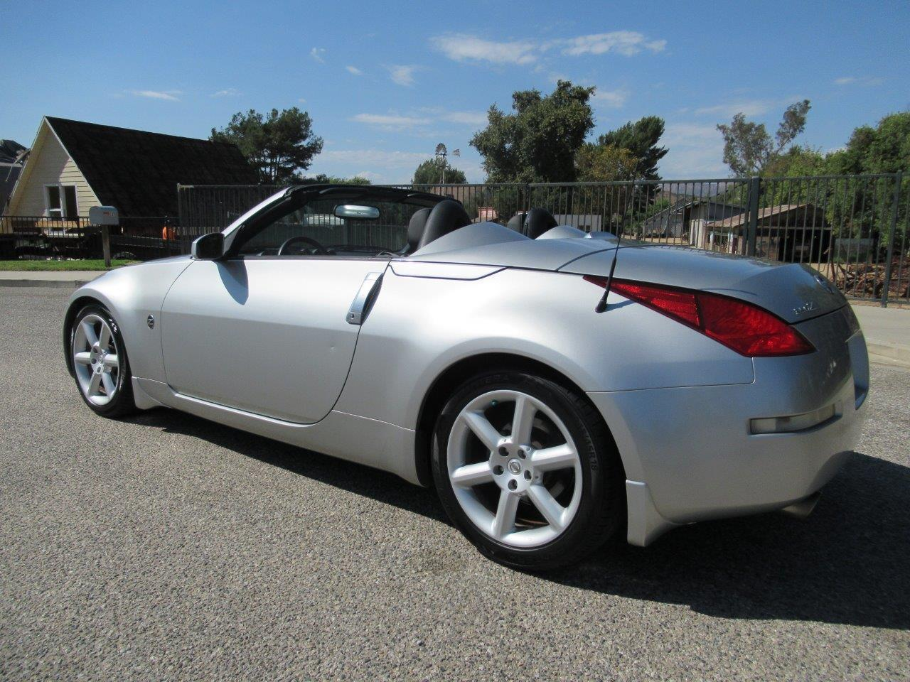 Large Picture of '05 Nissan 350Z located in SIMI VALLEY California - $7,950.00 - QXLK
