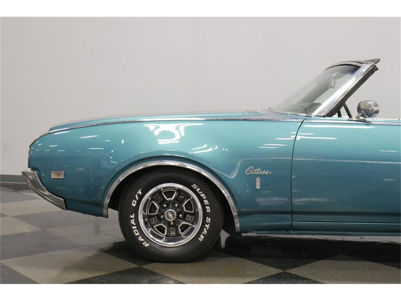 Large Picture of '69 Cutlass - QXVF