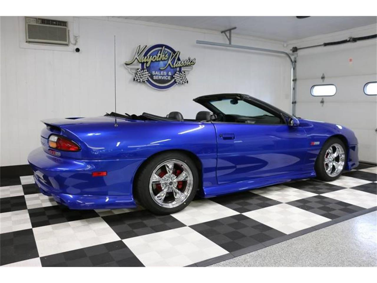 Large Picture of '02 Chevrolet Camaro located in Stratford Wisconsin - QY5C