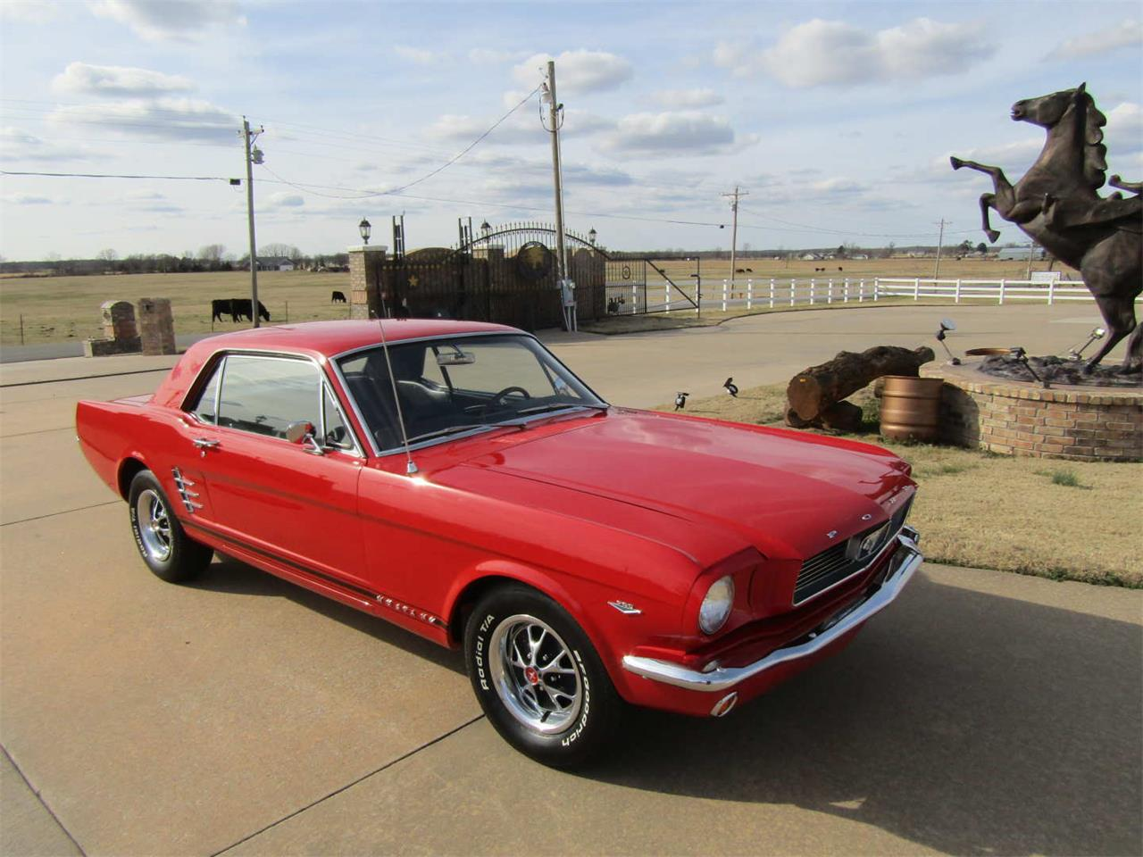 Large Picture of '66 Ford Mustang - QY8O