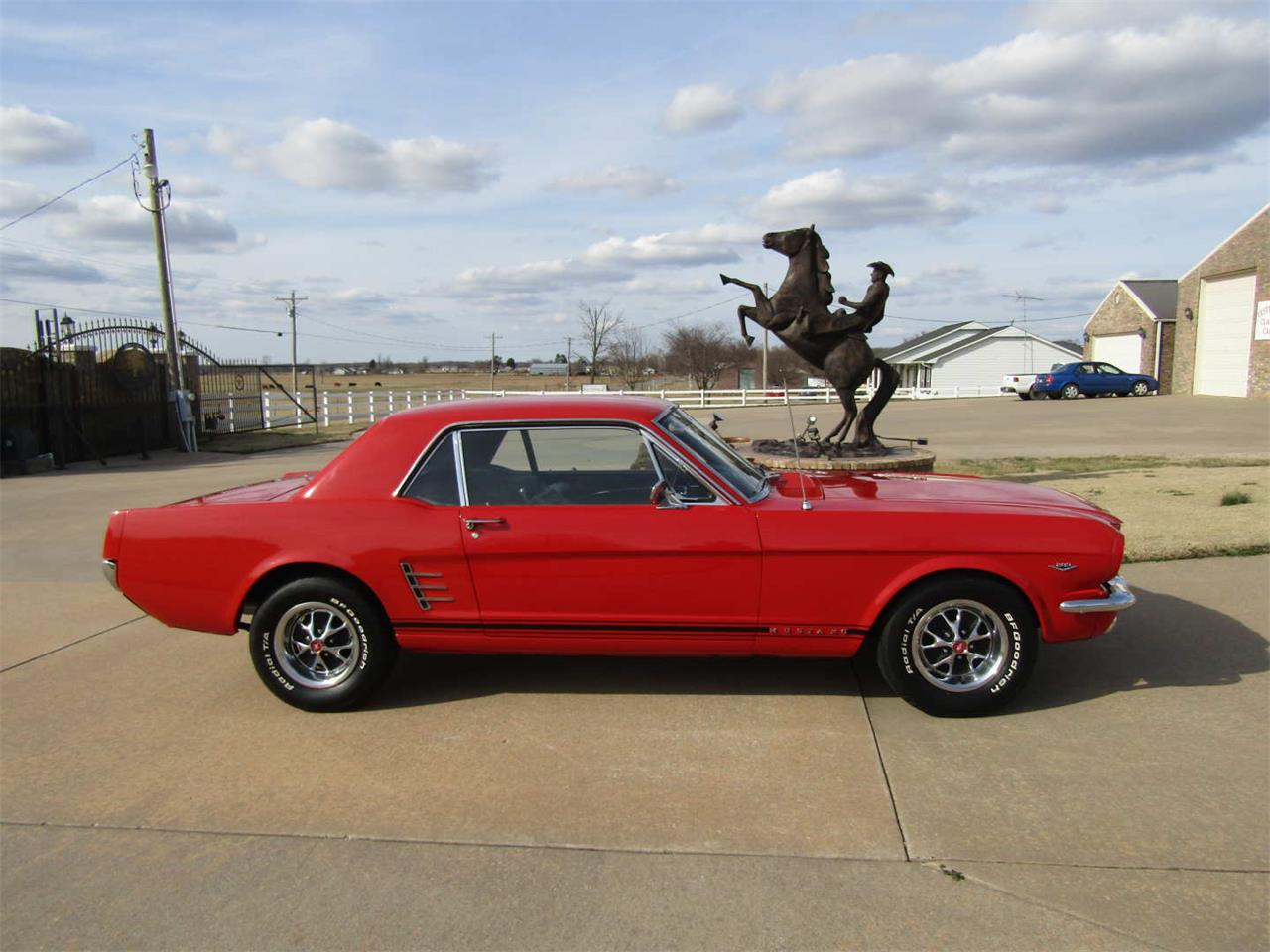 Large Picture of 1966 Mustang - QY8O